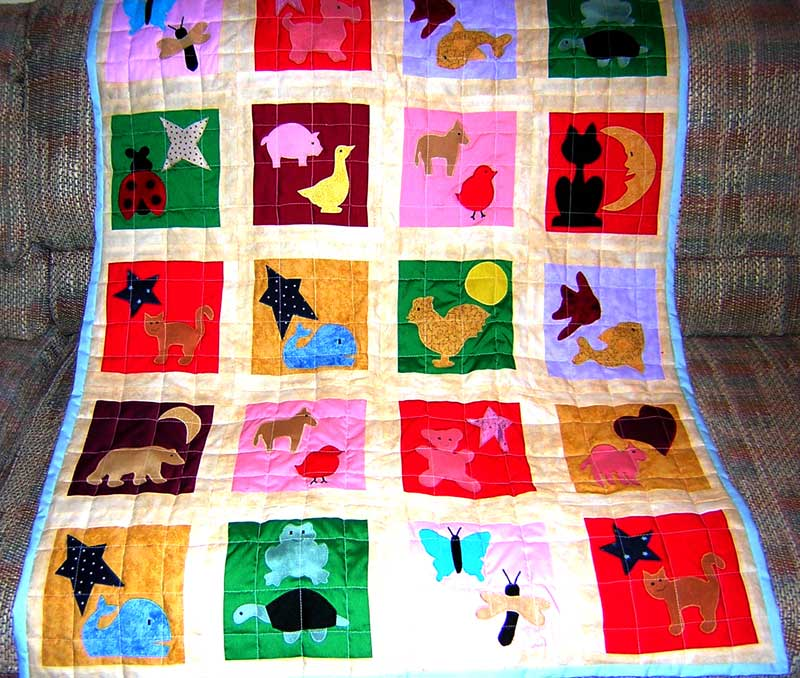 Boy's Applique Quilt Pattern - FreeApplique.com : easy baby boy quilt patterns - Adamdwight.com