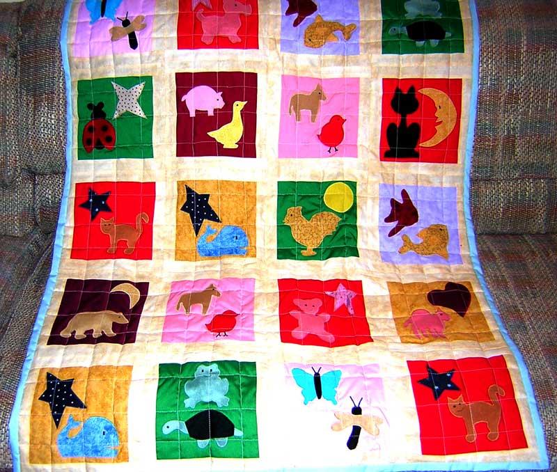 Easy Quilt Patterns For Guys : Boy s Applique Quilt Pattern - FreeApplique.com